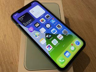 iPhone 11 vert 64Go garanti + accessoires + coques