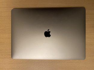 MacBook Pro 15″ i7 6 cœurs 512Go SSD 16Go RAM
