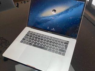 MacBook Pro 15 pouces i7 2,7Ghz 4 cœurs 16/512
