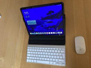 iPad Pro 12,9 64Go Wifi + Cellular et accessoires