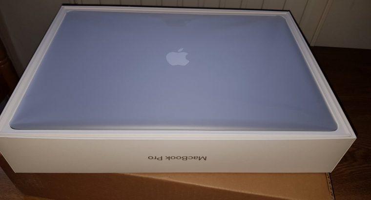 MacBook Pro 15 Touchbar 2017, i7 2,8, 16 ram, 256g