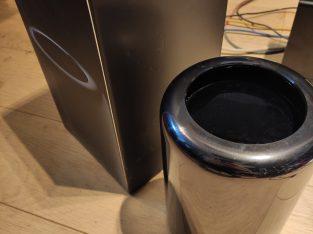 Mac Pro 2013 Quad core E5 3.7Ghz 256Go 24Gb Ram