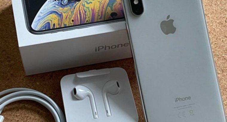iPhone XS 64Go Argent – Comme neuf – Sous garantie