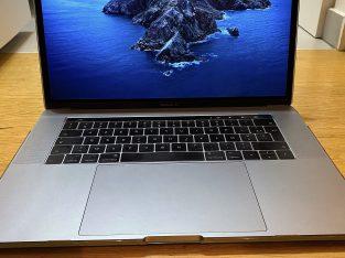 Apple Macbook Pro 15″ I7 2016 1TB 16gb comme neuf