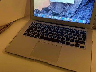 Macbook Air 13 pouces i5 256Go – batterie neuve