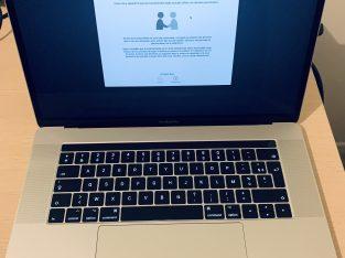 MacBook pro Touchbar 15″ 2,9 GHz, 16Go, 512 SSD