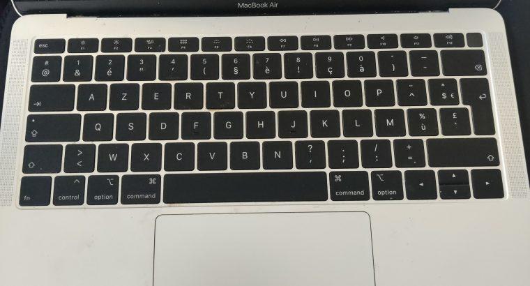 Vends Macbook Air 2019 i5 8GB pour pièces