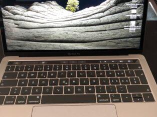 Mac Book pro 13″ 8 GO SSD 512 GO