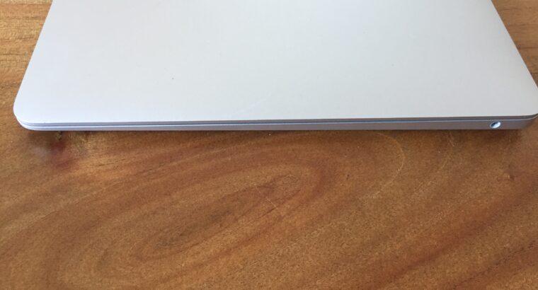 MacBook Air 2018 – Core i5 – SSD 251go
