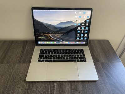 MacBook Pro 15″ 2017 – 256 Go SSD – 16 Go RAM – i7