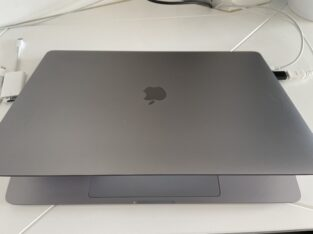 MacBook Pro 16 i9 8 cores 2,3ghz 16/4 To AMD 5500M