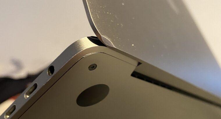 Macbook Pro 13″ avec TouchBar & Apple Care+ (2019)