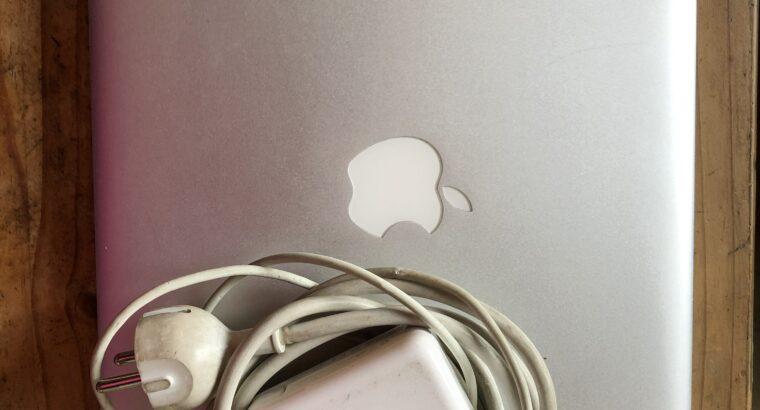 Mac Book Pro 13′ Fin 2011 Amélioré