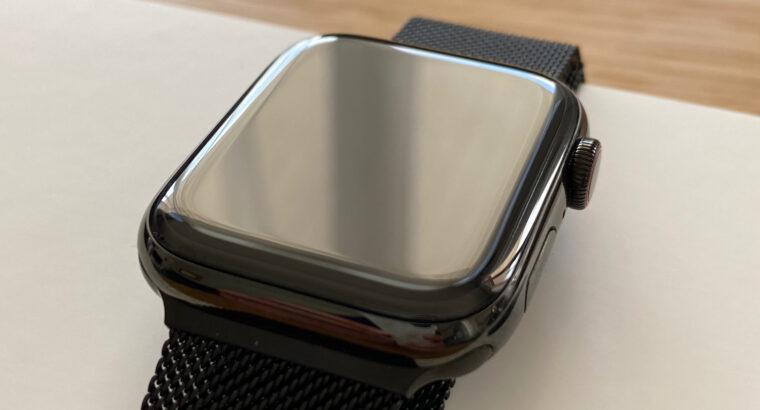 Apple Watch série 5 acier Inox 44mm