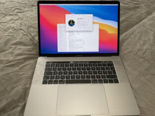 MacBook Pro 15 pouces, fin 2016