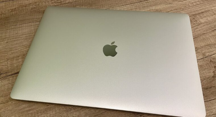 MacBook Pro 15″ 2017 – 1 To SSD – 3,1 GHz – Refurb