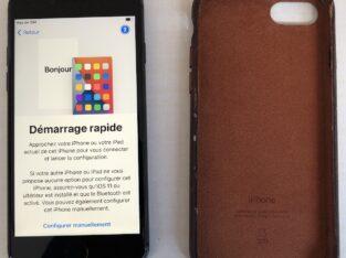 A vendre iPhone 8 64 go gris sidéral