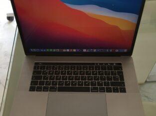 Ordinateur Apple MacBook Pro 15», 2017