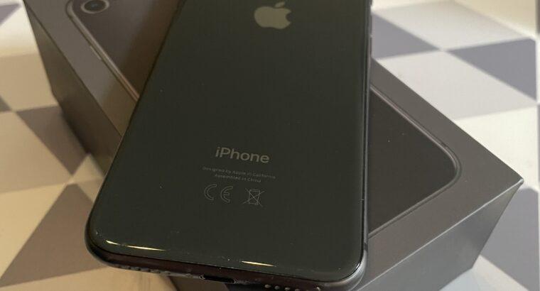 iphone 8 64 Go Gris sidéral impécable