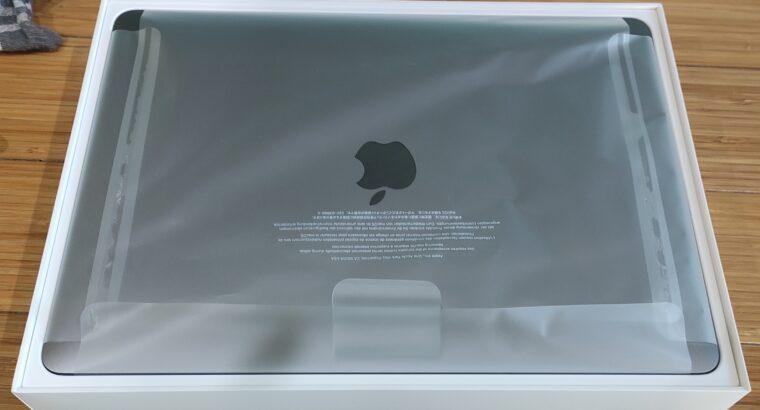Macbook pro 13 mi-2019. Touch Bar. Garantie