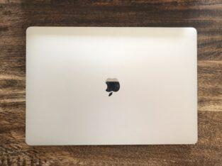 Macbook Pro 16 – i9 16Go 1 To – sous Garantie
