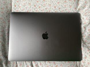 Vends MacBook Pro (15-inch, 2018) i9, 32GO, 1TO